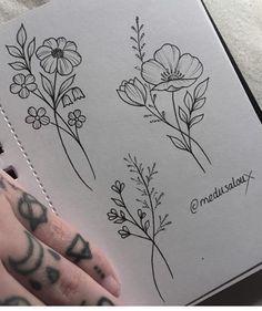 Flower Tattoos by Medusa Lou Tattoo Artist – medusaloux - Diy Tattoo Permanent Kunst Tattoos, Neue Tattoos, Irezumi Tattoos, Tattoo Drawings, Wildflowers Tattoo, Poppies Tattoo, Flower Tattoo Designs, Flower Tattoos, Small Tattoos