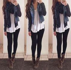 14 Outfits con leggings negros para salir con tu novio