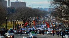 """Ayer Washington DC (Estados Unidos), fue escenario de la Marcha por la Vida 2015, una nueva concentración multitudinaria de más de 200.000 personas -mayormente jóvenes de 12 a 18 años-, que coreando """"¡Somos la generación pro-vida!"""" rechazó el aborto, despenalizado en 1973 con el fallo Rode vs Wade."""