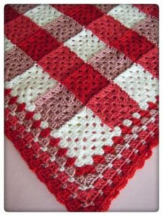 Gingham blanket in 3 shades and a neutral (no pattern - link to border pattern)