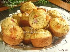 Briose-cu-sunca-si-cascaval-4-1 Romanian Food, Food Videos, Cookie Recipes, Deserts, Brunch, Easy Meals, Food And Drink, Yummy Food, Baking