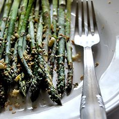 Asparagi al forno con gomasio e shichimi #italianrecipes #italianfood #recipe