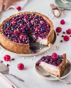 Baked Vegan Cheesecake with berries, which can be made refined sugar free, gluten-free and refined sugar free