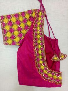 Photo by missblouses on December Cutwork Blouse Designs, Embroidery Neck Designs, Simple Blouse Designs, Saree Blouse Neck Designs, Stylish Blouse Design, Bridal Blouse Designs, Hand Work Blouse Design, Aari Work Blouse, Designer Blouse Patterns