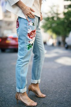 Embroidered Jeans (T