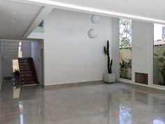 Projeto e obra Pardini Arquitetura - Esquadrias de alumínio linha gold, porcelanato Portobello.