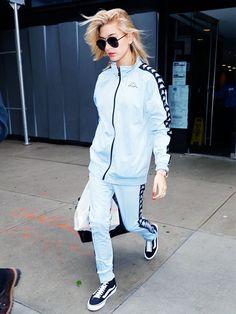 Hailey Baldwin Wearing a Throwback Matching Kappa Tracksuit Tomboy Fashion, Fashion 101, Teen Fashion, Fitness Fashion, Fashion Outfits, Kappa Sportswear, Sportswear Brand, Lazy Outfits, Stylish Outfits