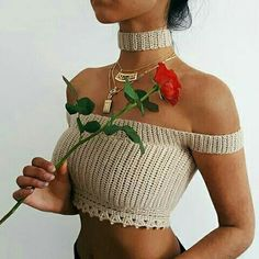 ☆~Ella birak~☆ Diy Crochet, Crochet Woman, Love Crochet, Crochet Crafts, Crochet Clothes, Crochet Halter Tops, Crochet Crop Top, Crochet Blouse, Crochet Top Outfit