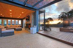 ULTIMATE BEACH HOUSE photograph
