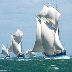 Madagascar trading schooners racing