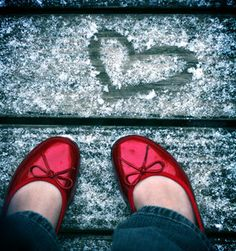 heart red shoes