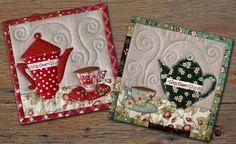 Ideia para voce se inspirar no seu proximo mug rug....visite este blog, tem coisa lindas,interessantes. patchworkpottery.blogspot.com/2011/12/teatime-trivets.html
