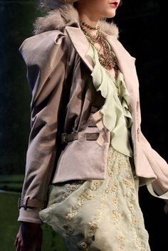 Christian Dior Fall 2010 Ready-to-Wear Collection Photos - Vogue