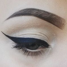 Winged liner love.