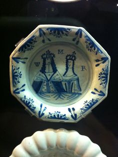 Blue & white octagonal plate commemorating King William & Queen Mary, The Potteries Museum, Hanley