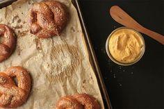 Новости: Как приготовить немецкий крендель брецель