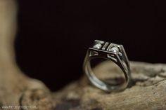 Zilveren opengewerkte ring met bolletjes | Silver open ring with balls Handmade Jewellery, Contemporary Jewellery, Rings For Men, Silver Rings, Wedding Rings, Engagement Rings, Jewelry, Enagement Rings, Handmade Jewelry