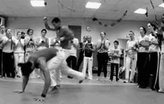 "taman-dua: "" This is all amazing, but look how he negates the guy at the end with a little rasteira em pe, removing his ability to respond. https://www.facebook.com/CapoeiraMovies/videos/872361649544164/?pnref=story """