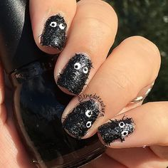 🎃🎃 Halloween Nail Art🎃🎃 @sinfulcolors_official Spiked Ice and some Google eyes creates the perfect monster mani!