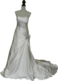 Check Out This Wedding Dress That Was Recently Donated To The Salvation Army Http