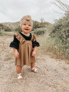 Trendy Baby Clothes, Cute Baby Girl Outfits, Baby Kids Clothes, Toddler Outfits, Children Outfits, Children Toys, Kids Clothing, Cute Little Baby, Baby Kind