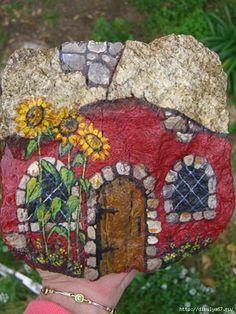 Домик из камня. Роспись. Предлагаю расписать камни и украсить свой приусадебный участок.... фото #7