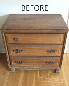 Compass Rose End Table Makeover (with Dixie Belle Paint) Milk Paint Furniture, Cute Furniture, Refurbished Furniture, Painted Furniture, Furniture Refinishing, Furniture Projects, Diy Projects, Side Table Makeover, Diy Dresser Makeover