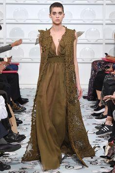 Défilé Schiaparelli : Haute Couture printemps-été 2016