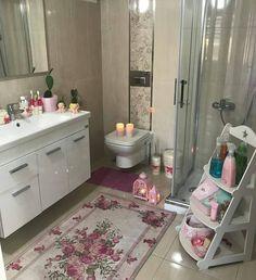 Banyo duzeni👍Nasıl buldunuz☺☺👉 @pembisyuvam #banyo #banyodekoru #dekorasyon #homedecor #pink