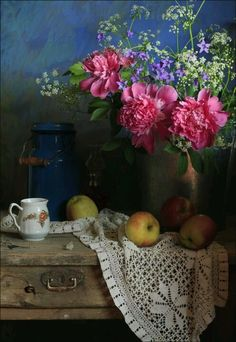 Things in the house Beautiful Flowers, Pretty Flowers, Beautiful Scenery, Peony Arrangement, Floral Arrangements, Zsa Zsa, Deco Floral, Arte Floral, Still Life Photos