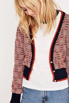 Urban Outfitters – Kurzer Cardigan mit V-Ausschnitt - Urban Outfitters