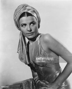 The fabulous Lena Horne could really rock a turban.