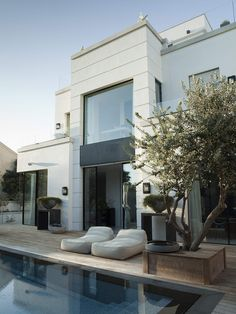 Modern Architecture Design Let me be YOUR Realtor! For more Home Decorating… Design Exterior, Interior And Exterior, Facade Design, Future House, Architecture Design, Deco Design, House Goals, Bauhaus, My Dream Home