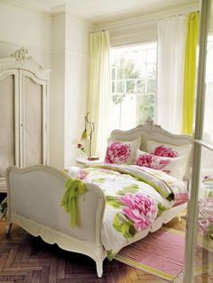 Pink and green flower-print bedding in a white bedroom - classic, romantic, feminine beauty! Furniture Chairs, Garden Furniture, Kids Furniture, Furniture Plans, Outdoor Furniture, Refinished Furniture, Upcycled Furniture, Vintage Furniture, Bedroom Furniture