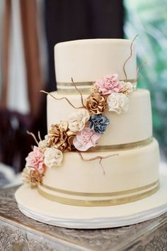 Beautiful #cake, lovely colors. Photography: Shan Cunningham Photography