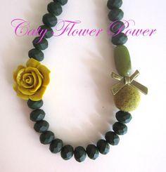 Flower Necklace Dark Green Necklace Autumn by catyflowerpower