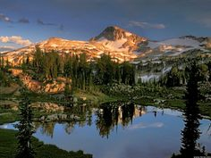 Amazing Scenic Wallpaper Of Eagle Cap Wilderness Oregon Scenic Wallpaper, Mountain Wallpaper, Camping World, Go Camping, Luxury Camping, Oregon Lakes, Nature Sauvage, Lake Photos, Living At Home