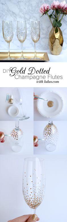 DIY Gold Dot Champagne Flutes Copas pintadas con hisopos y pintura de uñas.. Preciosas!