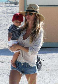 Hats I LOVE ...  Gisele Bundchen