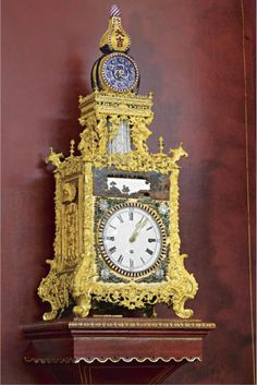 chinese works of art Sistema Solar, Plywood Furniture, Eames, Chinese Table, French Clock, Antique Clocks, Antique Mantel, Vintage Clocks, Classic Clocks