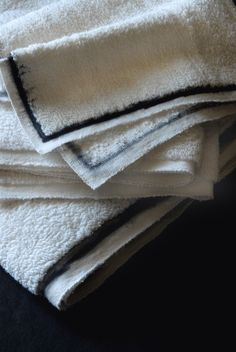 Bandit Queen hand woven bath towels with hand painted edges. Available in 4 different sizes. www.banditqueen.in