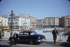 Athens-Syntagma square 50s Greece Pictures, Old Pictures, Old Photos, Athens Greece, Illustrations And Posters, Old School, Street View, History, Architecture