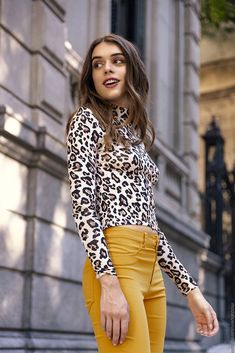 Remeras y poleras animal print otoño invierno moda invierno 2019 mujer. Style Work, Style Simple, My Style, Fall Outfits, Casual Outfits, Fashion Outfits, Womens Fashion, Fashion Trends, Outfits Otoño