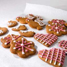 Tomusokeri-vesikuorrutus Christmas Gingerbread, Gingerbread Cookies, Christmas Diy, Baking, Desserts, Health, Food, Kite, Gingerbread Cupcakes