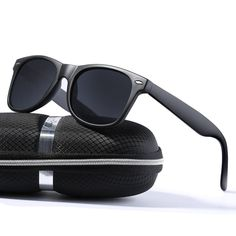 0904893c8343 wearPro Wayfarer Sunglasses for Men Women Vintage Polarized Sun Glasses -  Matte/Black -