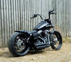 Custom Harley-Davidson Street Bob - Low Bob gallery including pictures, technical specifications and press features.