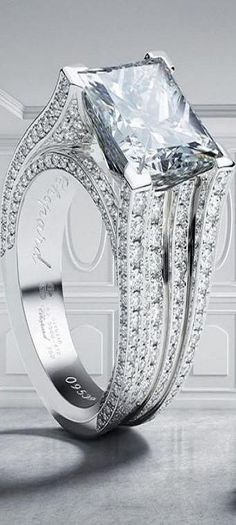 Chopard- I love the setting, the main diamond is a bit large for me, I am sure many women are simultaneously wanting to punch me just my opinion though.