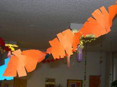 Fasching ist ja schon seid 11.11.11Uhr11! Deshalb schreibe ich in den nächsten Tagen mal ein wenig was passend zum Thema Fasching. Beginnen ... Table Lamp, Paper, Kids, Home Decor, Carnival, Garlands, World, Kindergarten, Young Children