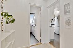 Post: Pisos modernos en edificios de los 60 --> buhardilla, decoración acogedora, decoración sencilla, edificios de los 60, estilo escandinavo, estilo nórdico, piso danes, pisos modernos, pisos nórdicos, interior inspiration, home decor, scandinavian interiors