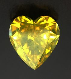 1.08 Ct GIA Heart Shape Brilliant Fancy Deep Greenish Yellow. natural loose diamond